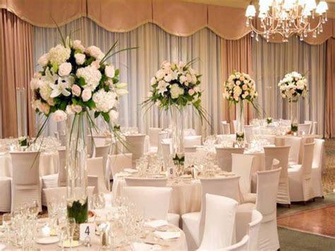 Cute centerpiece ideas, simple wedding reception table