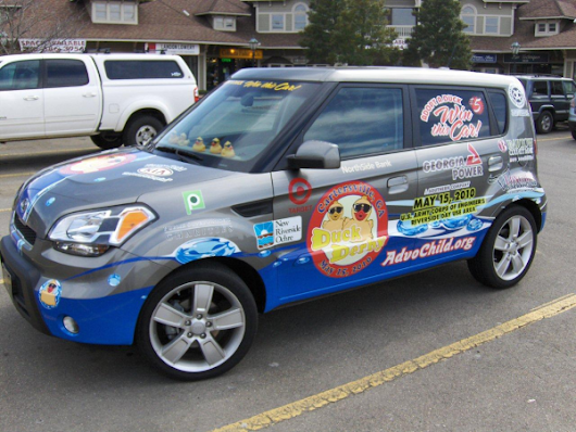 Vehicle Graphics: The Benefits of Advertising on Cars