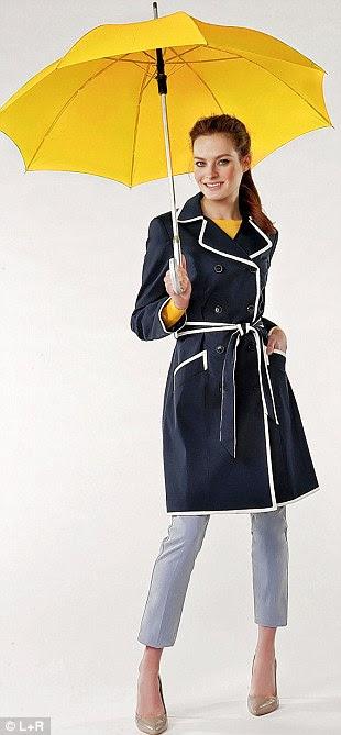 Marinha trincheira £ 65, debenhams.com.  Sweater £ 45, cosstores.com.  Jeans R $ 25, hm.com.  Tribunais R $ 25, newlook.com.  Umbrella £ 10, no Mundial Umbrella amazon.co.uk