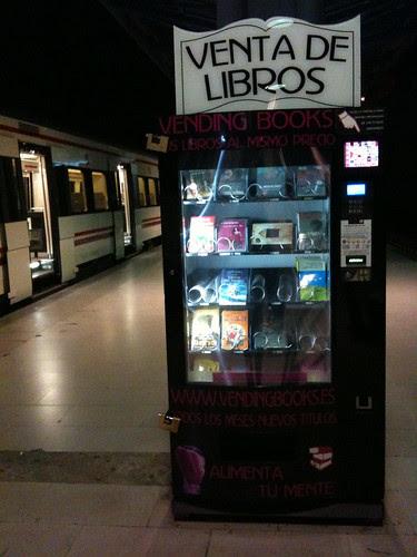 El expendedor de libros de la estación Príncipe Pío