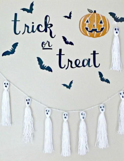 Halloween Craft Ghost Tassels - Brooklyn Berry Designs