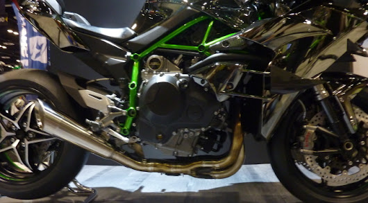 Kawasaki H2R: What Is It and Who Is It For? | Motochaotic