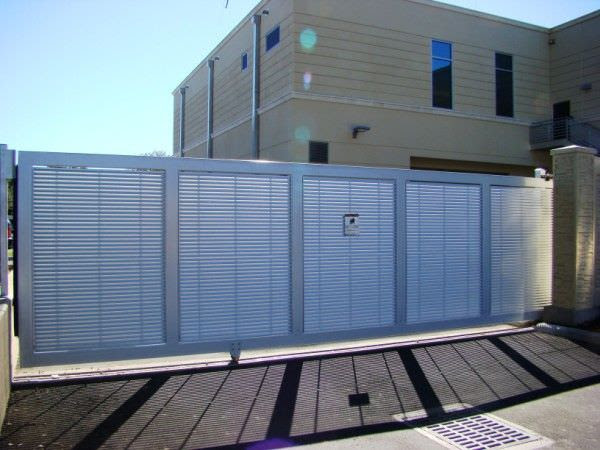 V-Wheel Roller Gates | Steel Fence/Gates | Aluminum Fence ...