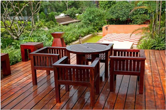 "From ""Clear"" to Eternity: Choosing Deck Stain Opacity and Color"
