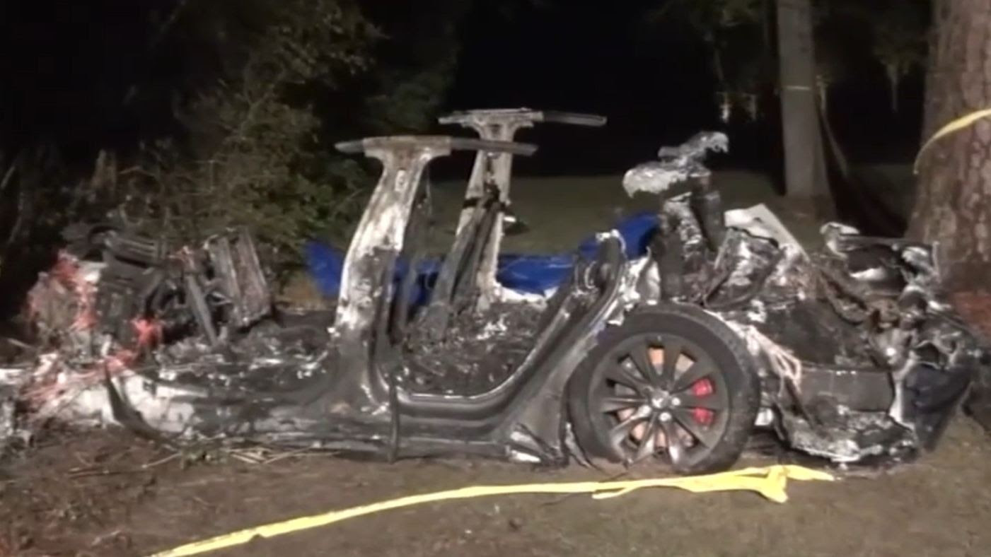 Police officials said the Model S was travelling fast and failed to navigate a turn before running off the road, hitting a tree and bursting into flames. Image: ABC-13