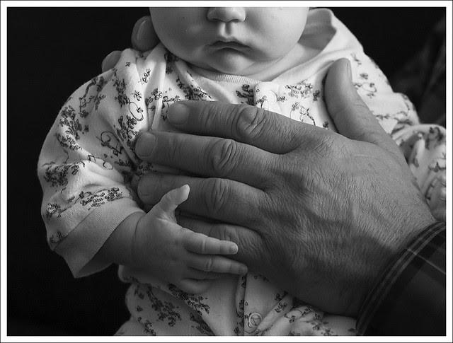 Madeleine 2013-11-10 6 (hands)