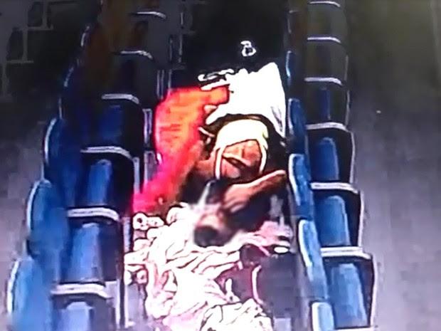 Vídeo mostra casal fazendo sexo em cadeiras do plenário da Câmara Municipal de Guarulhos (Foto: Reprodução)