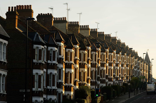 UK House Prices Dip For The First Time In 5 Months | Assured FD Services
