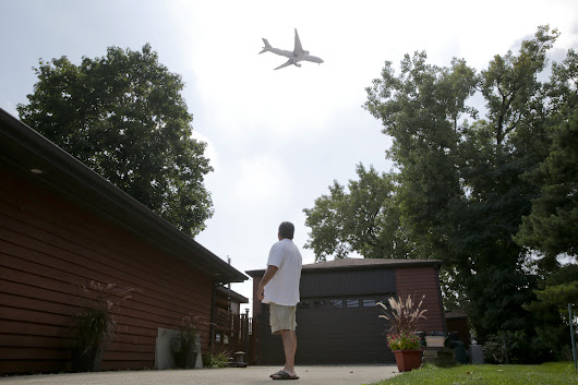 Neighbors skeptical of plan to spread out jet noise from O'Hare