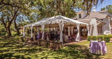 Distinctive Outdoor Wedding Venues in Downtown Charleston