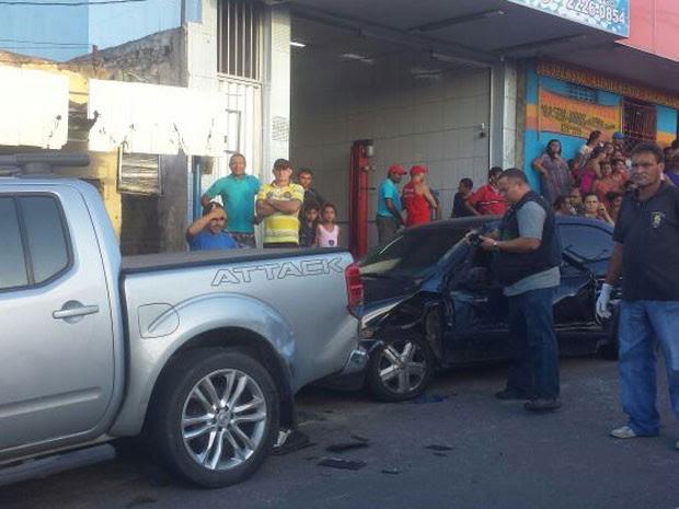 Vítima foi arrastada pelo caminhão e morreu na hora em acidente na avenida Coronel Estevam (Foto: Heloisa Guimarães/Inter TV Cabugi)