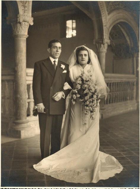 Pareja de novios en el Hospital de Santa Cruz el 10 de enero de 1954