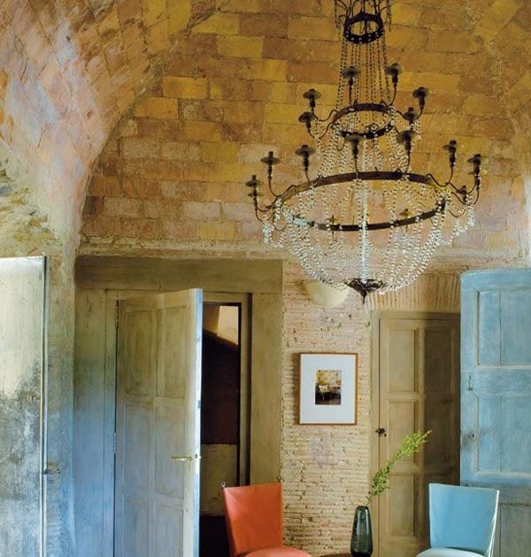 Decordemon Industrial Style Flat In A Victorian Terrace: Decordemon: Rustic Chic Farmhouse In Baix Empordà