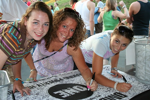 DMB fans sign the ONE banner