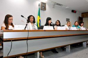 Mulheres pedem legislação para o combate a condutas ofensivas na internet