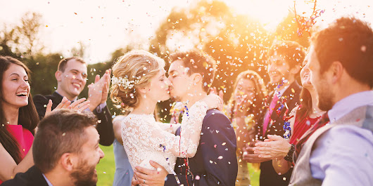 20 Best Reno Wedding Photographers | Expertise