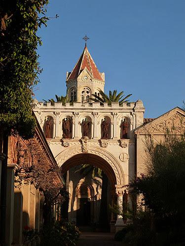entrée du monastère.jpg