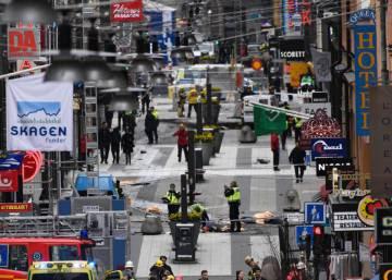 Un atentado con un camión en Estocolmo causa varios muertos