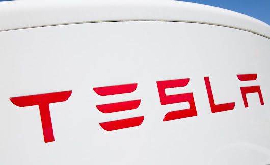 Tesla Revealed its Electric Truck with 500-mile Range - Safe Line Insurance