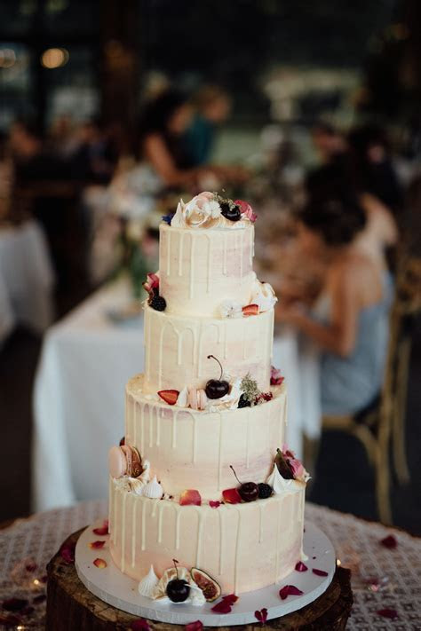 Miss Ladybird Cakes   creative wedding cakes Melbourne