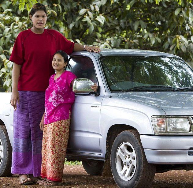 Malee Duangdee, a jovem mais alta do mundo 02