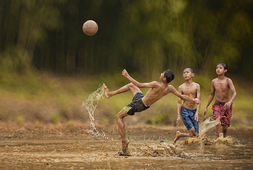 Everyday Life In Indonesian Villages Captured by Herman Damar  Bored Panda