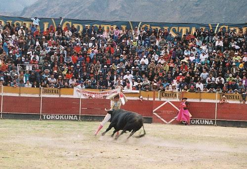 Banderillas de Roca Rey en Canta, Lima