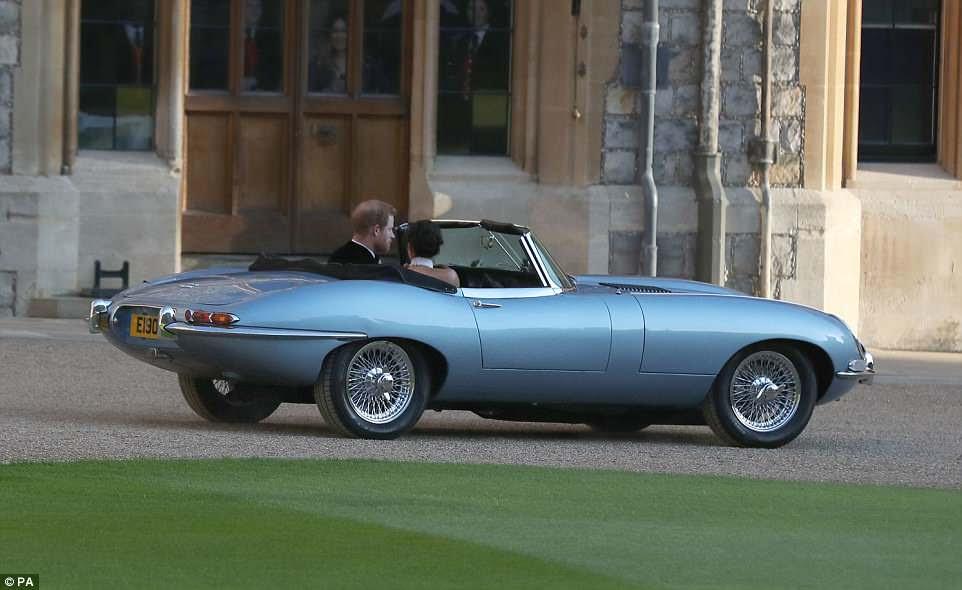 Los recién casados Duke y Duquesa de Sussex, Meghan Markle y Prince Harry, dejando el Castillo de Windsor después de su boda