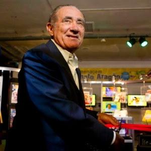 Renato Aragão corta fita na estreia do festival de humor Risadaria 2012, em São Paulo (21/3/12)