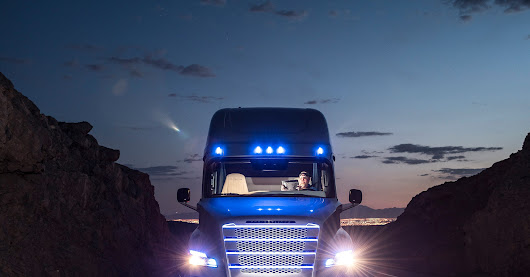 The World's First Self-Driving Semi-Truck Hits the Road | WIRED