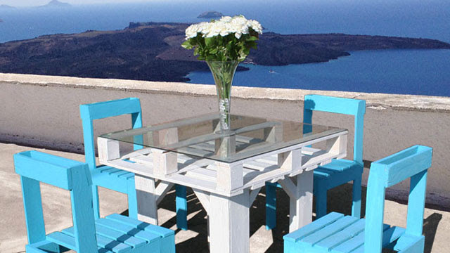 Make Beautiful Outdoor Dining Furniture Out of Wooden Pallets ...