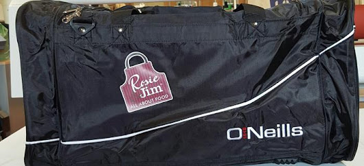 Rosie & Jim sponsor O'Neills Gear Bags for Courtwood GAA | Rosie & Jim - Irish Produced Chicken