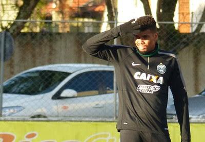 Juninho Coritiba (Foto: Monique Silva)