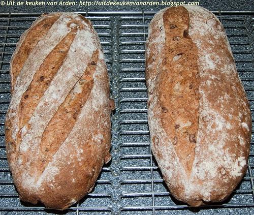 Speltbrood met noten