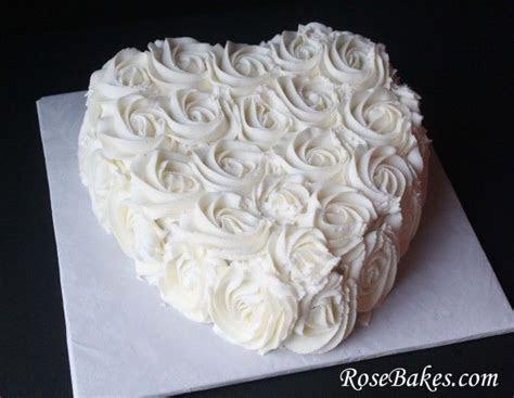 Best 25  Blue heart shaped wedding cakes ideas on