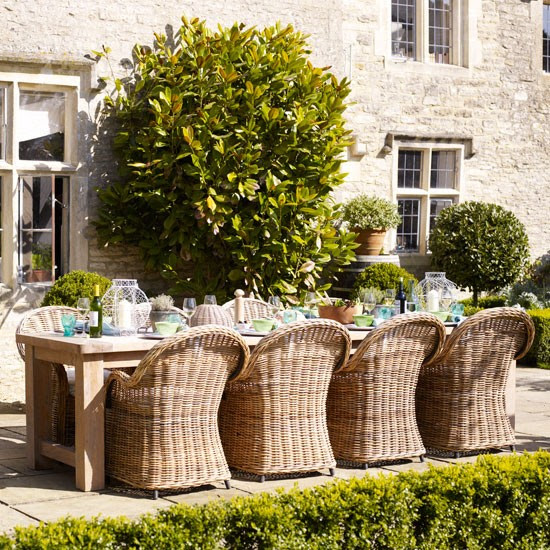 Relaxed garden dining area | Alfresco dining | Image | Housetohome