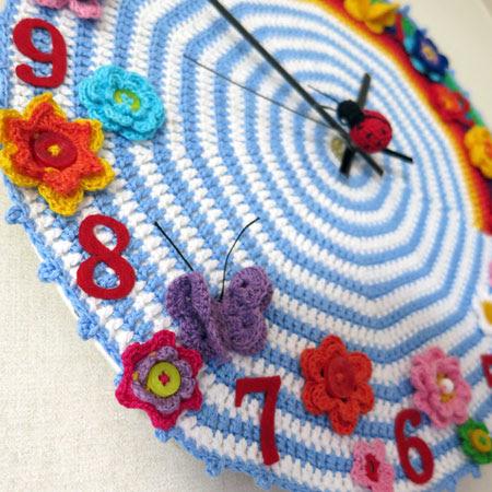 Crochet-clock 1 item left