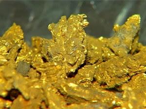 Para chegar ao ouro, garimpeiros têm usado mercúrio em Pontes e Lacerda. (Foto: Reprodução / TVCA)
