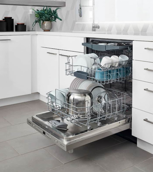 Quick Kitchen Cleaning Tips to Get Out of the Kitchen Fast