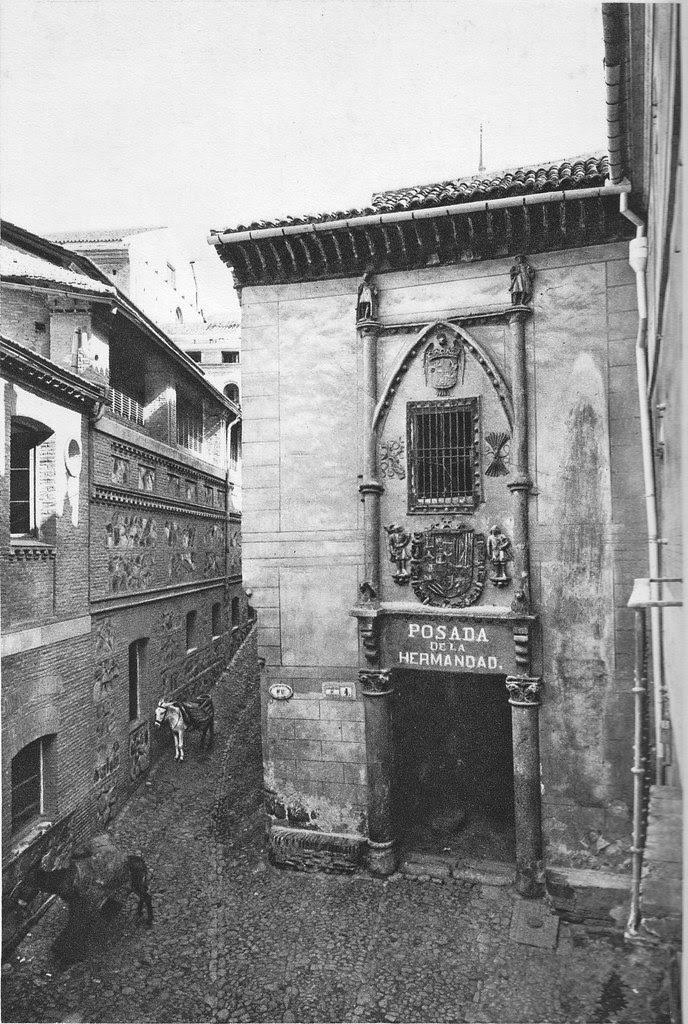 Fachada de la Posada de la Hermandad de Toledo a principios del siglo XX. Foto Aldus