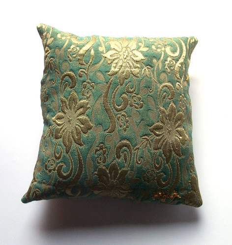 tiger flower pillow reverse