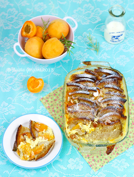 Pudding di albicocche al rosmarino