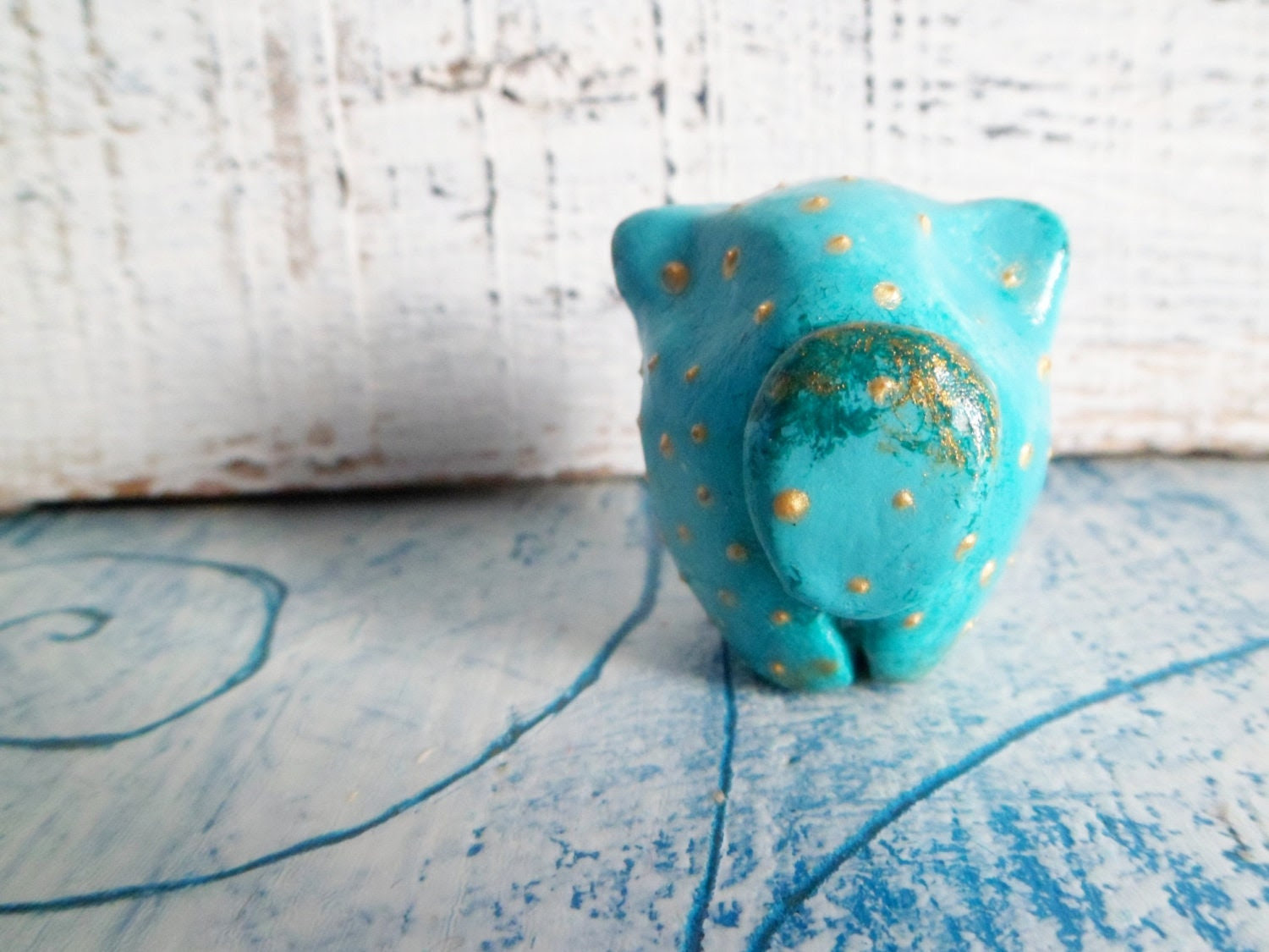 Mint blue cat air dry clay small animal figurine turquoise aqua green polka dot - HandyHappy