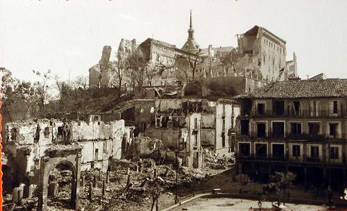 Alcázar de Toledo en Plena Guerra Civil (III). Foto Rodríguez