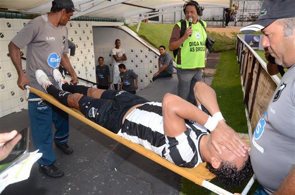 Gilmar deixou a última partida machucado e não está confirmado na partida de amanhã contra o Figueirense