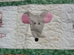 cat quilt detail (mouse applique)