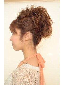 ヘアカタログ アップ 結婚式 - ウェディング(お呼ばれ)のヘアスタイルギャラリー Rasysa(らしさ)