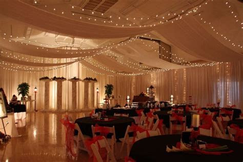 I love this lighted ceiling canopy! #CleverFlowers   My
