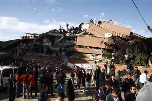van-depremi-yardim