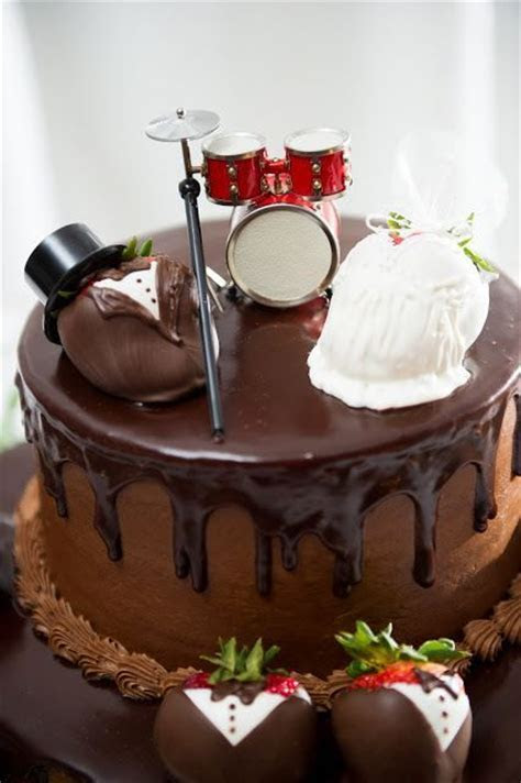 85 best Decorating Cakes images on Pinterest